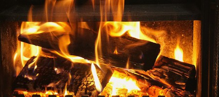 fireplace-5103159_640